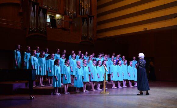 Народний художній колектив хор «Скворушка»